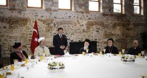 Başbakan Davutoğlu gayrimüslim cemaat temsilcileriyle görüştü